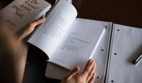 อ่านให้เยอะ เขียนให้เยอะ เส้นทางหนึ่งเดียวสู่นักเขียนอาชีพのサムネイル